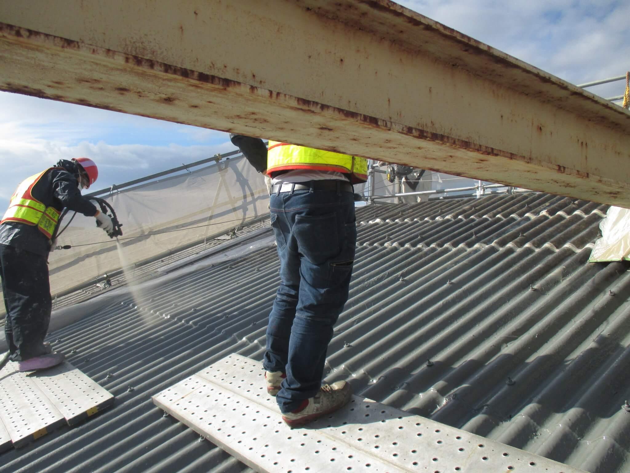 ポリウレア施工実績 自動車工場 スレート屋根ライニング(補強・防水)NUKOTEポリウレアST