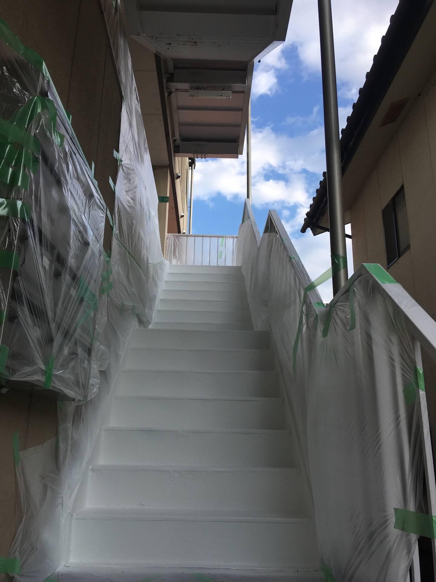 ポリウレア施工実績 民間工場 外階段補修ライニング(補修)NUKOTEポリウレアAL