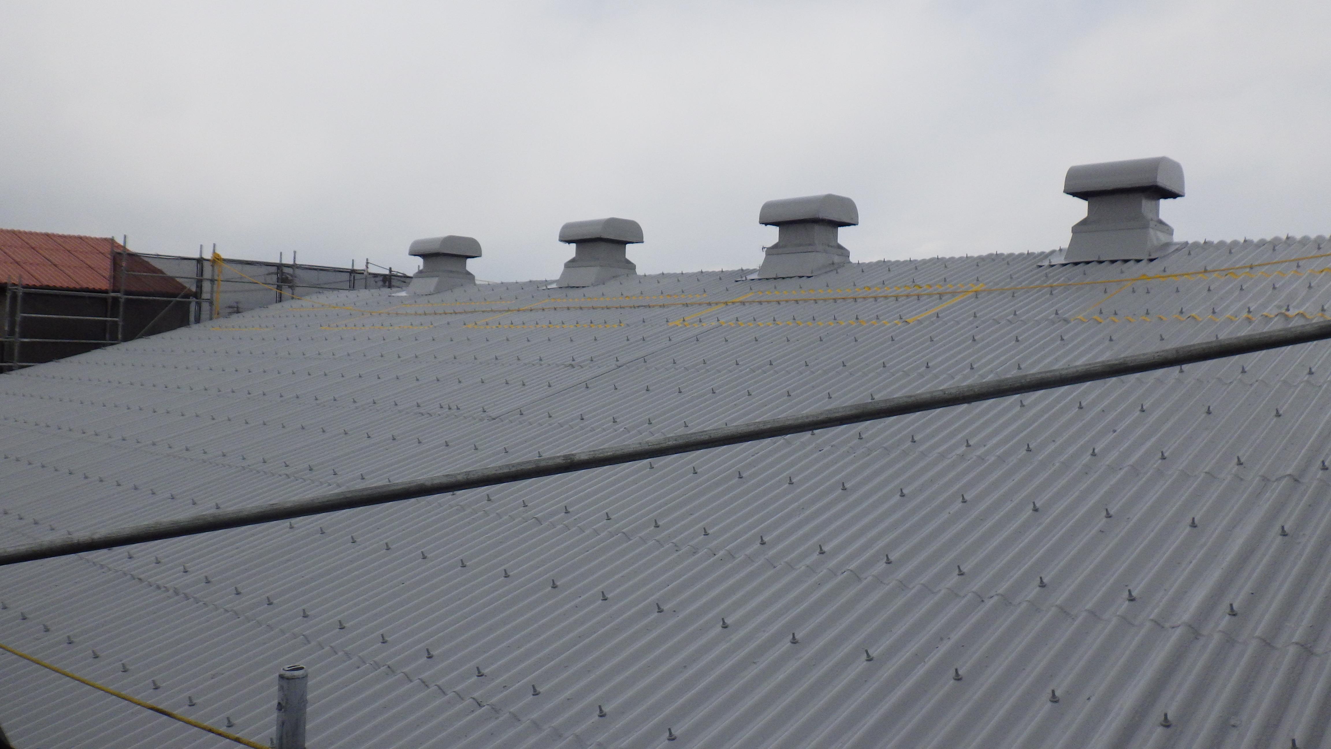 ポリウレア施工実績 食品配送倉庫 スレート屋根防水補強ライニング(防水・補強)NUKOTEポリウレアST
